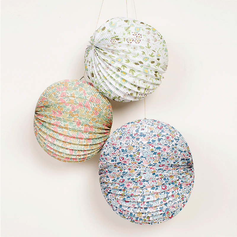 Set of 3 Liberty Print Paper Lanterns