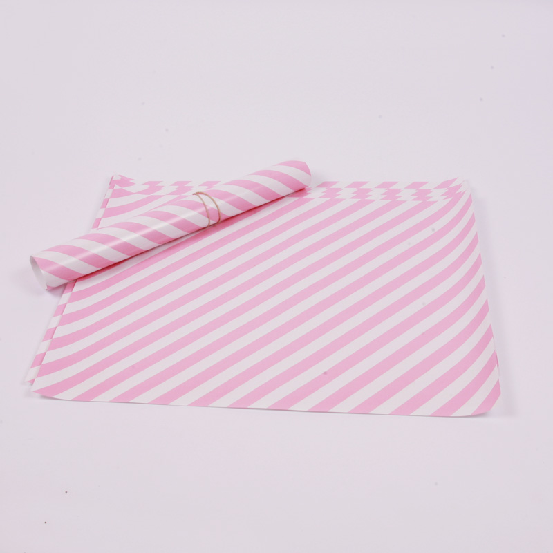10 pale pink placemats