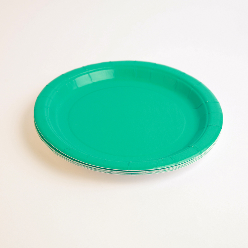 8 turquoise plates