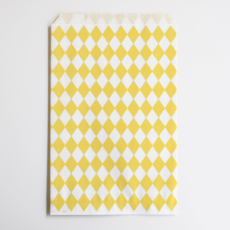 10 yellow diamonds paper party bags