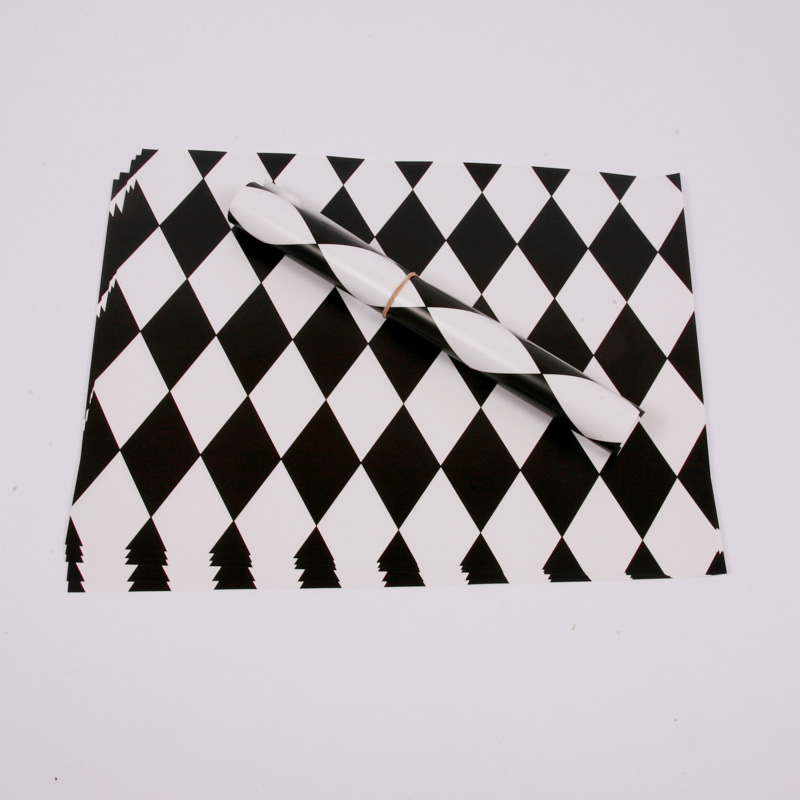 10 black diamond placemats
