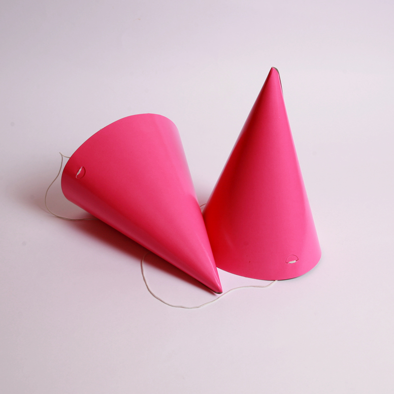 Set of 8 pink party hats