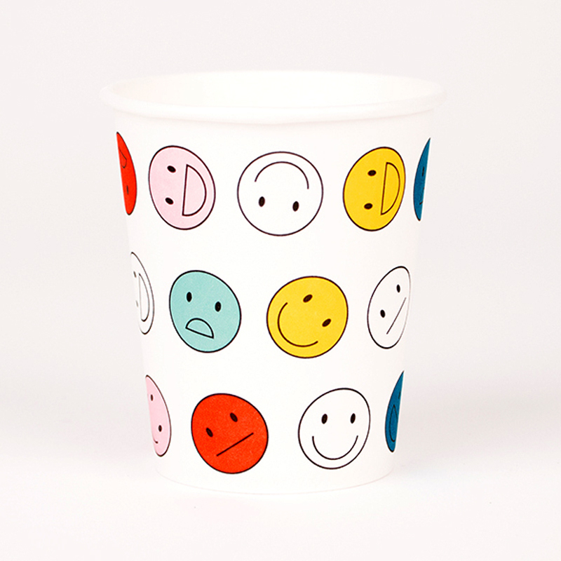 8 Happy Faces paper cups