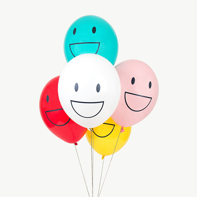 5 happy faces balloons