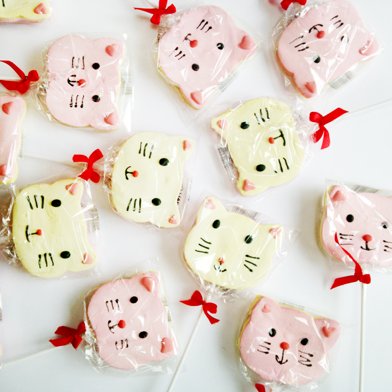marshmallow cat lolly