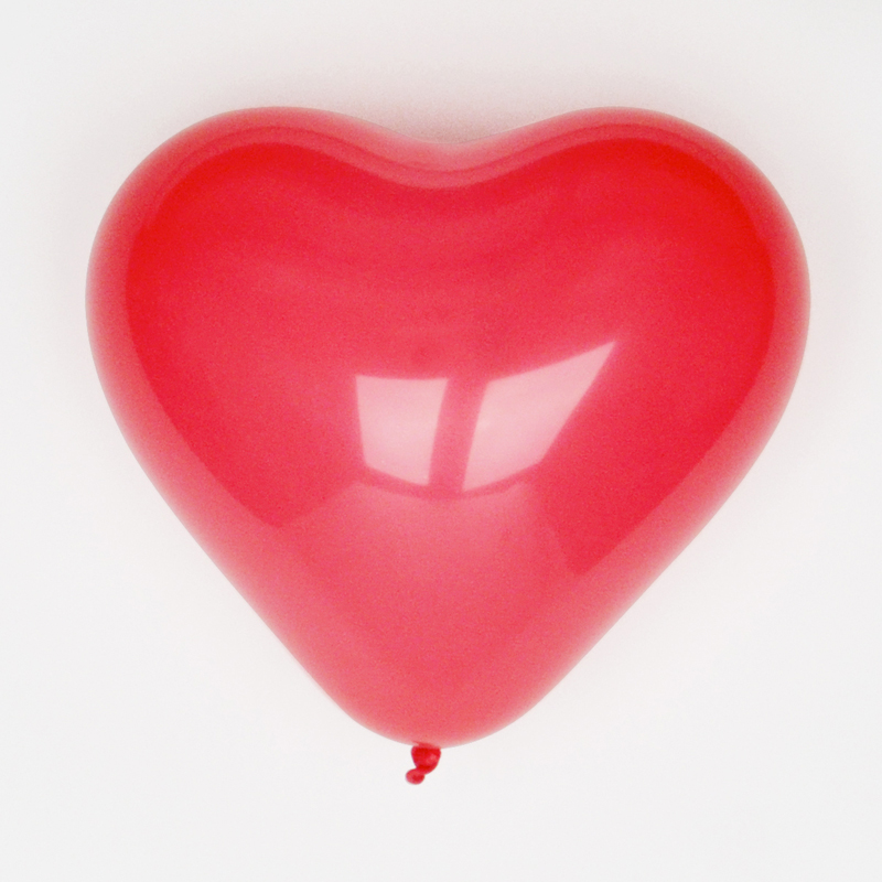 pack of 10 red heart shaped balloons