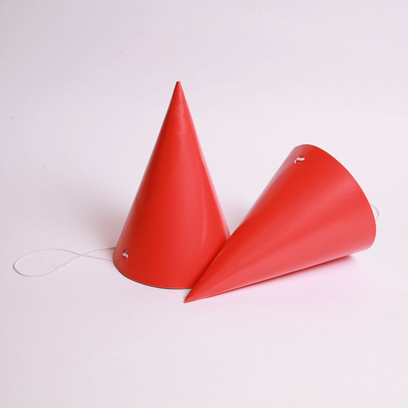 Set of 8 red party hats