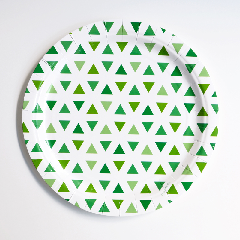 8 green triangles plates