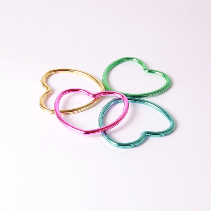 Shiny heart bangle