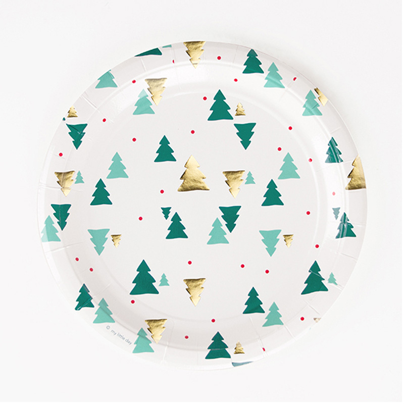 8 Christmas trees paper plates