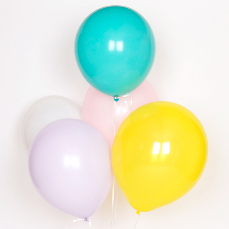Pack of 10 balloons in pastel colours
